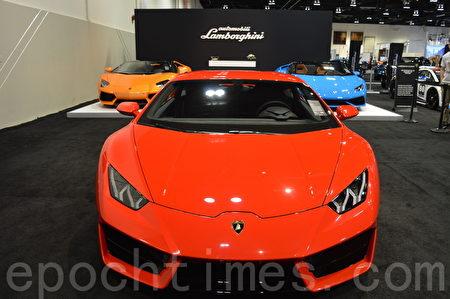 2016年3月9日-13日,卡尔加里国际汽车展在BMO中心举办。图为Lamborghini。(黄钟乐/大纪元)