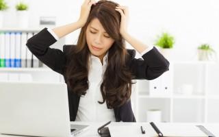 年後轉職者除了要面臨新的工作壓力外,可能還要面臨家人抱怨,使其加重身心壓力症狀。(Fotolia)
