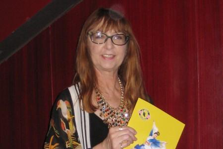 圣地亚哥法律图书馆财务和人事部副主管Marcia O'Hara女士3月26日观看了神韵演出,认为演出不可思议。(方圆/大纪元)