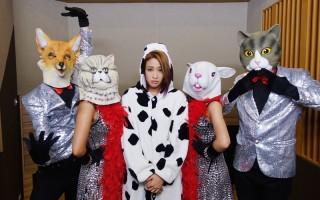 歌手Cindy袁咏琳(中)出道6年来首次举行大型售票演唱会,所有细节自己主导。(中央社)