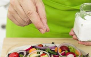 食物的搭配可要多谨慎,勿让下肚的食物影响到健康。(Fotolia)