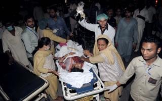 巴基斯坦第2大城拉合爾今天遭1起自殺炸彈攻擊,釀成至少65死、340人受傷,巴國塔利班民兵組織分支派系「自由人黨」聲稱犯案。(ARIF ALI/AFP/Getty Images)