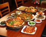 來韓國螃蟹料理(Crab House)您就可以嚐到正宗的「醬螃蟹」。(大紀元)