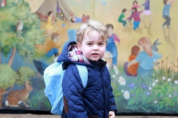 乔治王子报名就读父亲母校 全家或回伦敦