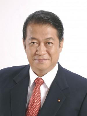 12:18 PM 图:日本政界名人鸠山邦夫(Hatoyama Kunio)预祝神韵在日本演出取得成功。(鸠山邦夫事务所提供)