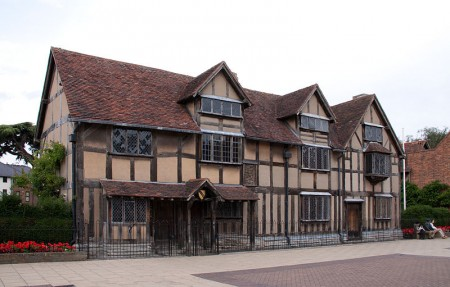 莎士比亚在史特拉福故居,现为其纪念馆。(Tony Hisgett /维基百科)