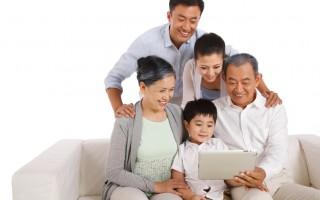 幸福的家庭(fotolia)