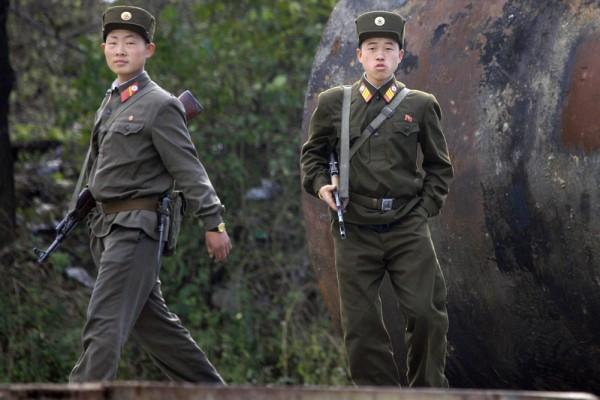 日媒披露,日美兩國將在聯合國安理會上提出對朝鮮實施石油禁運,從根本上切斷其核武及導彈開發的資源。(FREDERIC J. BROWN / AFP)