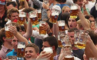 德國慕尼黑傳統啤酒節。(Alexandra Beier/Getty Images)