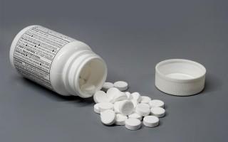 美國華裔醫生走私藥品 恐被判入獄40年