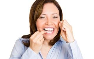 刷牙保健,牙齿上的牙菌斑移除,牙龈流血即可改善。(Fotolia)