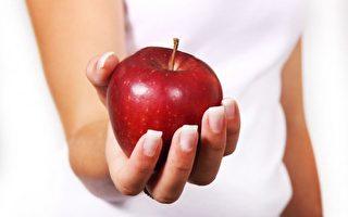 苹果的高纤维和苹果皮中的黄酮对健康尤其有益。(公有领域)