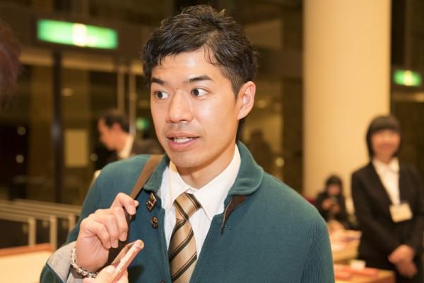 去年12月就已经暗下决心,即使请假也要来看神韵的日本年轻人石桥学,终于一偿宿愿。(野上浩史/大纪元)