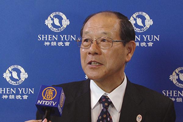 高桥克人(Takahashi Katsuto)社长邀请了60多位好友同来观看,希望神韵在日本多演几场。