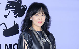 54歲劉嘉玲飾20多歲女生 紮雙馬尾造型引熱議