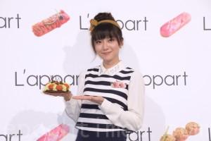 豆花妹(蔡黄汝)于2016年4月30日在台北担任法式甜点开幕一日店长活动。(黄宗茂/大纪元)