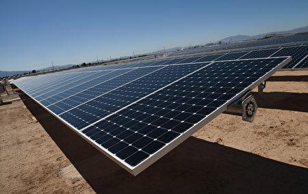 太陽能發電產業在過去五年內已經出現爆發式增長,由於產量增加,價格出現下滑。(Ethan Miller/Getty Images)