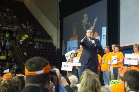 科鲁兹4月9日出席科罗拉多州共和党大会,并发表演说。科鲁兹应已稳拿科罗拉多州的37张党代表票。(JASON CONNOLLY/AFP/Getty Images)