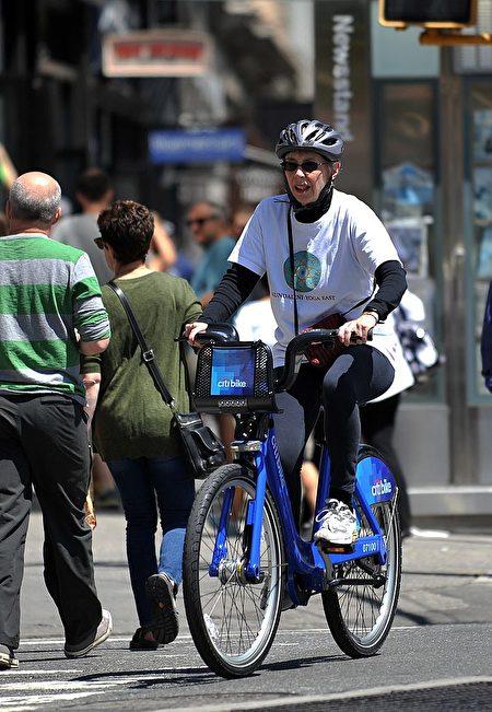 隨著夏季的來臨﹐紐約市將成為適合騎自行車的好地方。 (STAN HONDA/AFP/Getty Images)