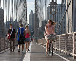 每年的5月是纽约市自行车月,随着夏季的来临﹐纽约市将成为适合骑自行车的好地方。  (Mario Tama/Getty Images)