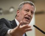 纽约市长白思豪。 (Andrew Burton/Getty Images)