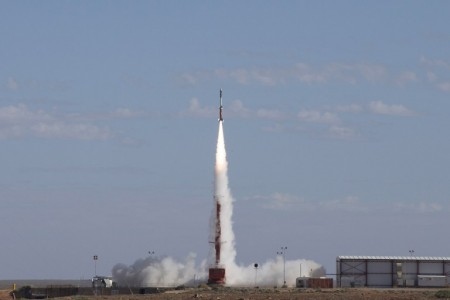 "A handout photo taken and received on May 18, 2016, shows the launch of an experimental rocket on trial which reached an altitude of 278 kilometres and a target speed of Mach 7.5 in the latest successful test of hypersonic technology in the Australian desert.   A joint US-Australian military research team is running a series of 10 trials at the world's largest land testing range, Woomera in South Australia, developing the scramjet, a supersonic combustion engine that uses oxygen from the atmosphere for fuel, making it lighter and faster than fuel-carrying rockets. / AFP PHOTO / ADF / CPL Bill Solomou /  ----EDITORS NOTE ----RESTRICTED TO EDITORIAL USE MANDATORY CREDIT "" AFP PHOTO / AUSTRALIAN DEFENCE"" NO MARKETING NO ADVERTISING CAMPAIGNS - DISTRIBUTED AS A SERVICE TO CLIENTS"