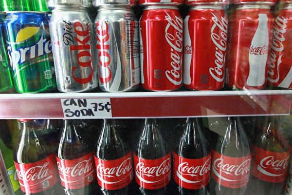 大陸男20年每日喝可樂成四肢癱瘓最大誘因