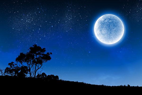 周末天文奇观 蓝月亮和火星冲日齐登场