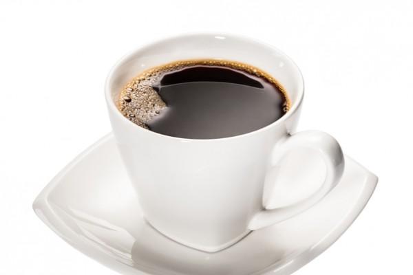 臺大醫學院外科名譽教授張金堅27日在台北的「癮咖啡研究室」新書發表會上表示,孕婦也是能喝咖啡,但1天不超過1杯,更年期婦女飲用咖啡要補充鈣,喝牛奶可以補充鈣,但是要跟咖啡分開喝。(fotolia)