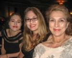 Karla Kirk与先生、两个女儿观赏了神韵纽约艺术团2016年4月30日晚在加州圣巴巴拉格兰纳达剧院(Granada Theater)的演出。(李清怡/大纪元)
