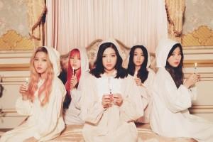 """韩国女团""""Red Velvet""""专辑照。从左到右:YERI、WENDY、JOY、IRENE、SEULGI。(avex提供)"""