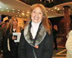 古典舞蹈教师、科隆剧院(Colón Theatre)前专业舞蹈演员Alicia Carafí女士5月7日下午4点观赏了美国神韵巡回艺术团今年在阿根廷首都布宜诺赛勒斯Opera剧院(Teatro Opera Allianz)的第三场演出。(林南/大纪元)