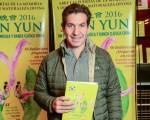 阿根廷的現代化、革新和技術部部長Andy Freire於5月7日下午攜家人一起來看神韻巡迴藝術團在布宜諾斯艾利斯的Opera劇院的演出。(Elina Villafanie/大紀元)