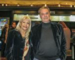 Norberto Menzi先生和太太Raquel Menzi於5月7日晚觀看了神韻巡迴藝術團在布宜諾斯艾利斯的Opera劇院的演出。(林南/大紀元)