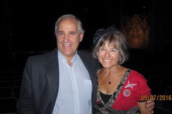 音乐剧作家Elaine Davis女士与丈夫Jeff Fuller欣赏了神韵纽约艺术团2016年5月7日在佛蒙特州伯灵顿市的演出,他们赞美神韵演出一切都是最好,让人看到未来希望。(苏菲 / 大纪元)