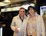 2016年5月8日晚,企业主Mario Eduardo Hilale和太太Valeria Liahaff一起观看了美国神韵巡回艺术团今年在阿根廷首都布宜诺斯艾利斯Opera剧院(Teatro Opera Allianz)的第五场演出。(林南/大纪元)