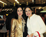5月8日晚,Mastroestéfano姐妹一起觀看了美國神韻巡迴藝術團在阿根廷布宜諾斯艾利斯 Opera劇院(Teatro Opera Allianz)的第五場演出。(林南/大紀元)