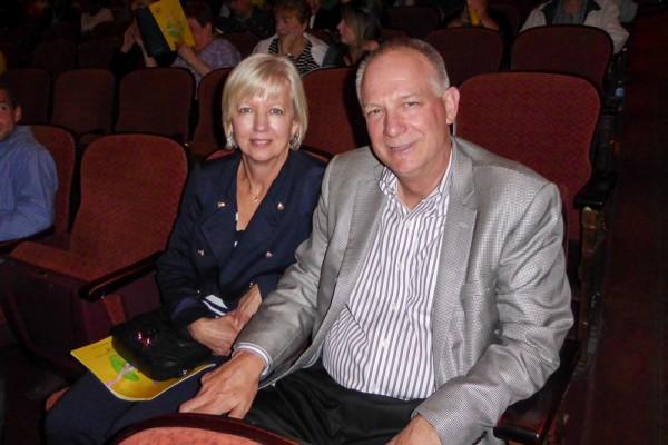坎贝尔运输公司总裁Mike Monahan赞赏神韵演出很独特。(良克霖/大纪元)
