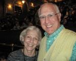 法律学教授Louis Swartz与太太Marsha都是音乐与艺术爱好者。夫妇两人5月11日晚看了神韵纽约艺术团在美国匹兹堡的演出后,赞赏演出美妙绝伦。(童云/大纪元)