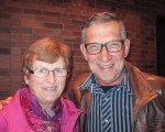 Peter Klijn 和妻子Jean都對神韻演出的方方面面讚歎不已。(李佳/大紀元)