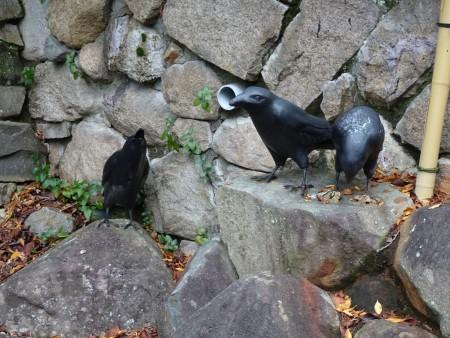 三只乌鸦雕像(王知涵/大纪元)