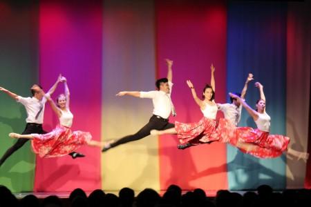 """图:""""极至体能舞蹈团""""演出的舞蹈《TAIWAN So Beautiful组曲》。(易永琦/大纪元)"""