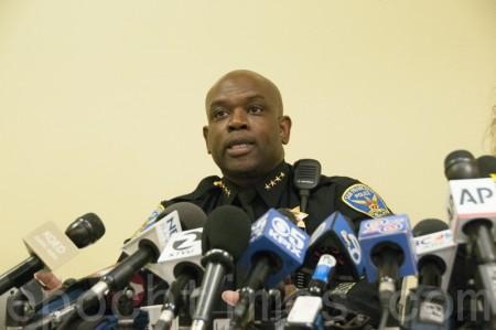"""5月20日,刚刚上任的旧金山市代理警察局长托尼‧卓别林(Toney Chaplin)表示,他将推进警察局30年以来最大规模的""""武力使用政策""""改革。(周凤临/大纪元)"""