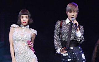 蔡依林在上海安可场特别邀请李宇春同台演唱Jolin招牌歌曲《特务J》。(华纳提供)