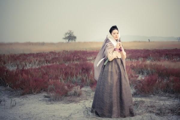韓國新電視劇《師任堂,the Herstory》劇照,圖為李英愛。(Group8提供)