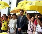 曾健超在庭外表示,對裁決感失望,但仍尊重法庭裁決,稍後會跟法律團隊研究會否上訴。他並感謝一直以來支持及聲援的香港市民及親人。(李逸/大紀元)