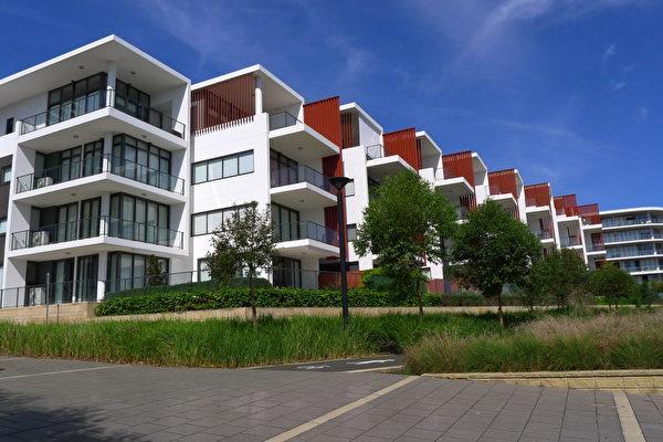 澳洲CoreLogic RP Data的数据显示,在房价上涨势头趋于冷静的同时,澳洲房地产交易量水平也趋于下降,购房者可能会发现他们现在处在一个较好谈判的位置上。(简玬/大纪元)