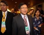 经济部部长李世光(中)表示,经济部已启动相关政策因应,会全力以赴监控,做到供电稳定。(中央社/提供)