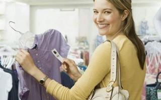要想選購一件質量上乘的衣服,不僅要看顏色和款式,標籤上的信息也很關鍵。(網絡圖片)