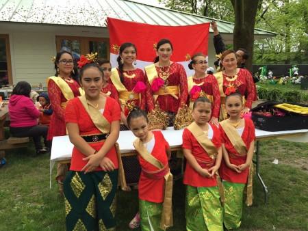 大費城柬埔寨人協會舞蹈隊成員。(楊茜/大紀元)